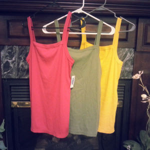 3 woman's old navy tanks